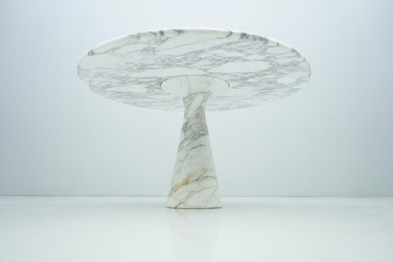 White and grey marble dining table M1 by Angelo Mangiarotti for Skipper, Italy, 1969. Good to very good condition.