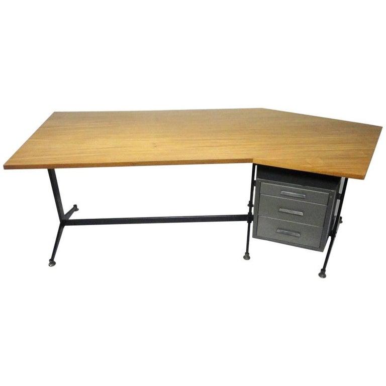 Angled Executive Desk by Tecno, Italy, circa 1960 For Sale