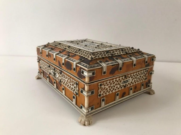 Anglo Indian Bone and Tortoise Shell Box For Sale 5
