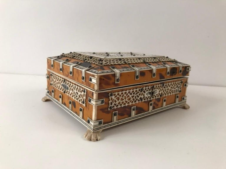Anglo Indian Bone and Tortoise Shell Box For Sale 2