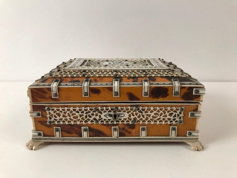 Anglo Indian Bone and Tortoise Shell Box For Sale 3