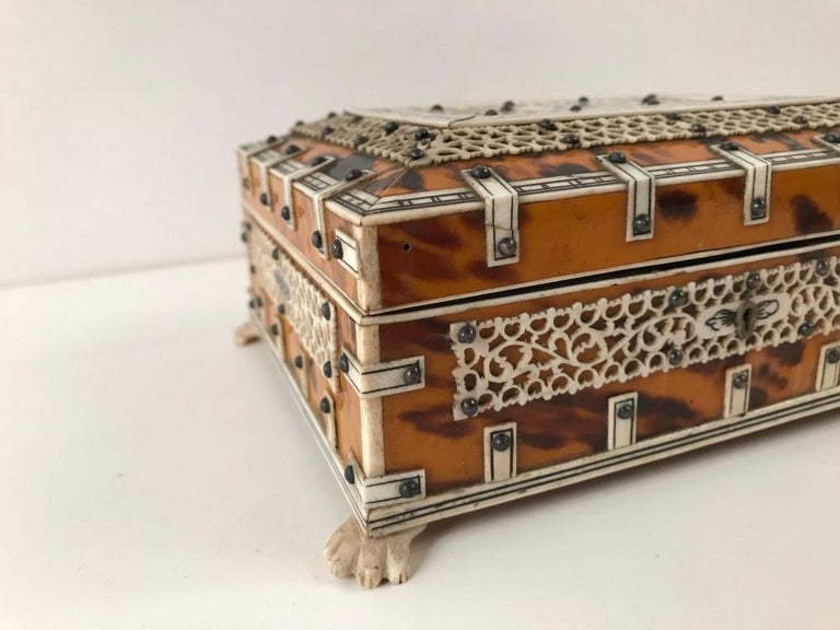 Anglo Indian Bone and Tortoise Shell Box For Sale 4