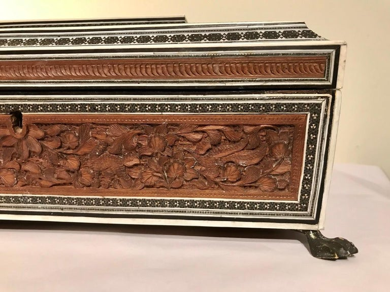 Anglo-Indian Carved Sandalwood and Bone Sadeli Inlaid Box In Good Condition For Sale In Stamford, CT