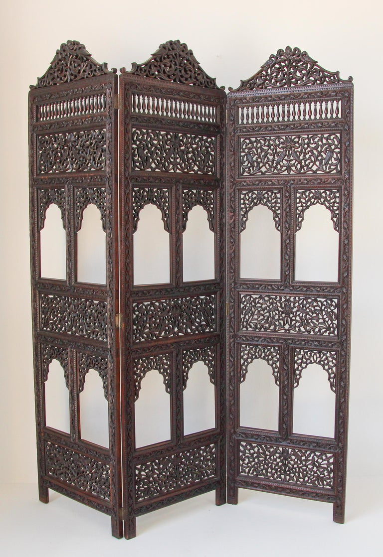 Anglo-Indian Hardwood Three-Panel Screen For Sale 10