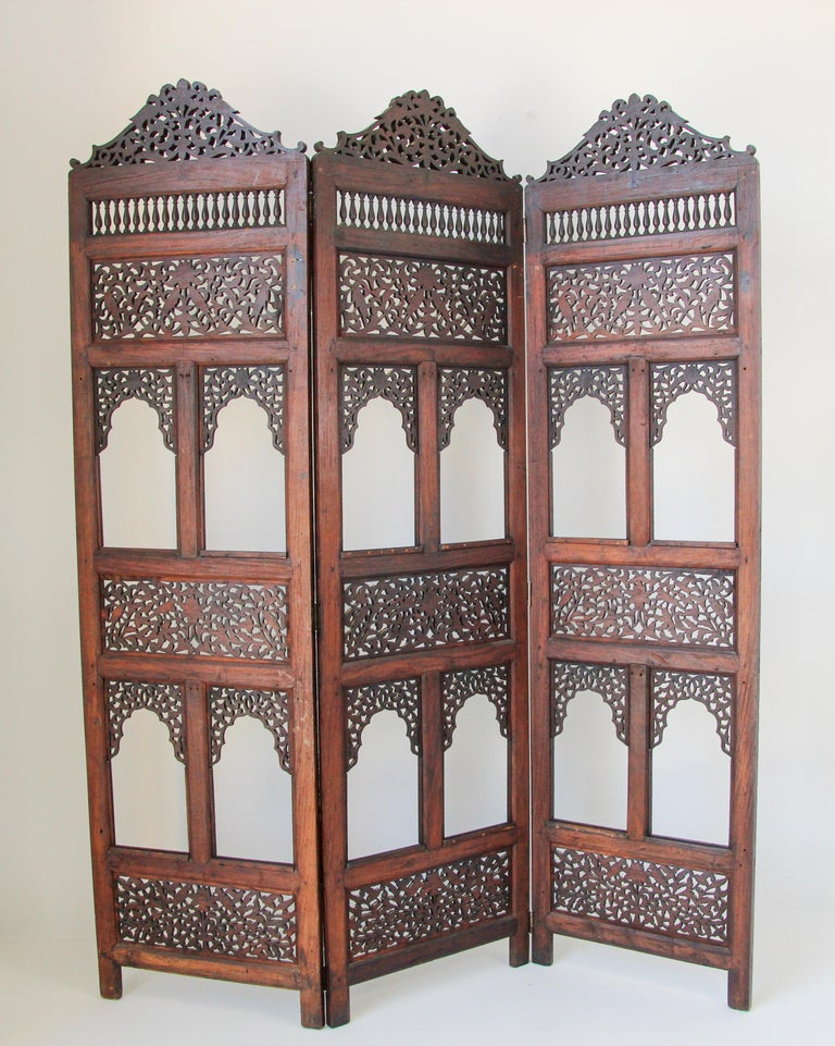 Anglo-Indian Hardwood Three-Panel Screen For Sale 12