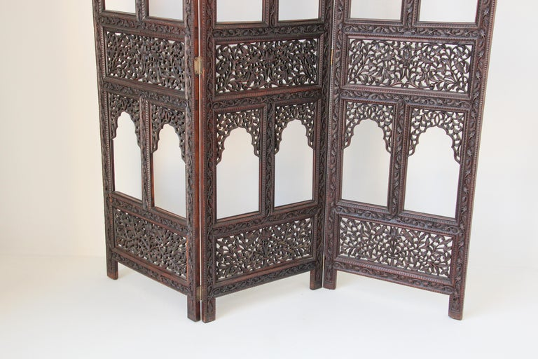 Hand-Carved Anglo-Indian Hardwood Three-Panel Screen For Sale