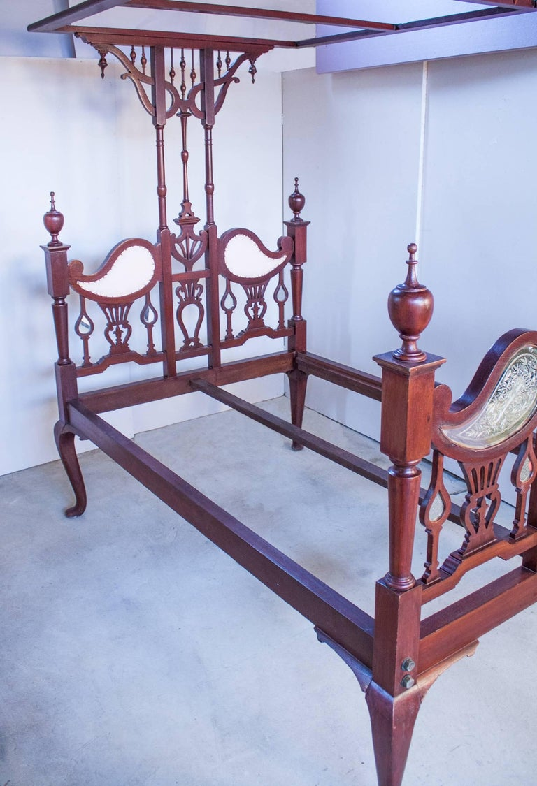 Anglo-Indian Mahogany Tester or Canopy Bed In Good Condition For Sale In Heath, MA