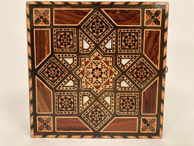 Anglo-Indian Mother of Pearl, Rosewood and Ebony Inlaid Box For Sale 5