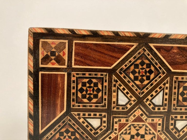 Anglo-Indian Mother of Pearl, Rosewood and Ebony Inlaid Box For Sale 8