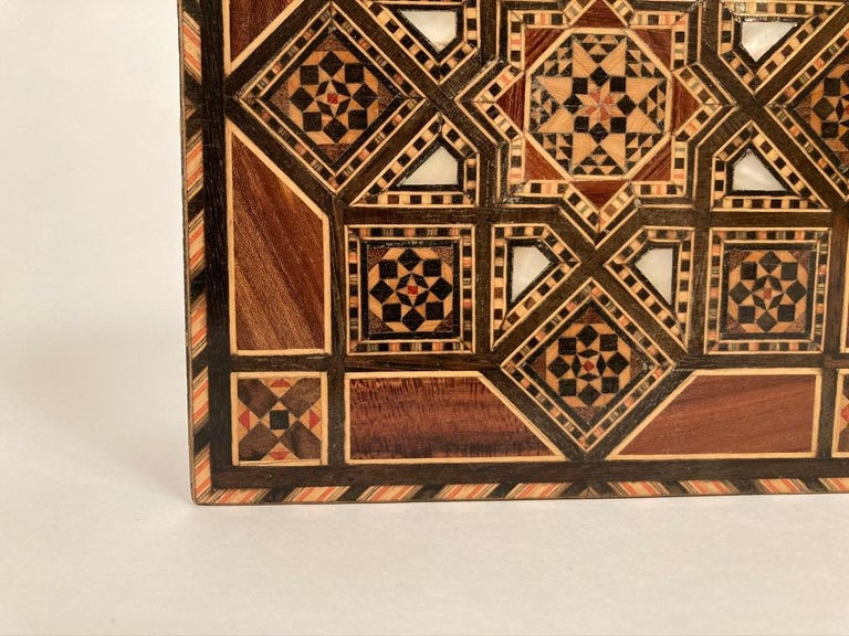 Anglo-Indian Mother of Pearl, Rosewood and Ebony Inlaid Box For Sale 9