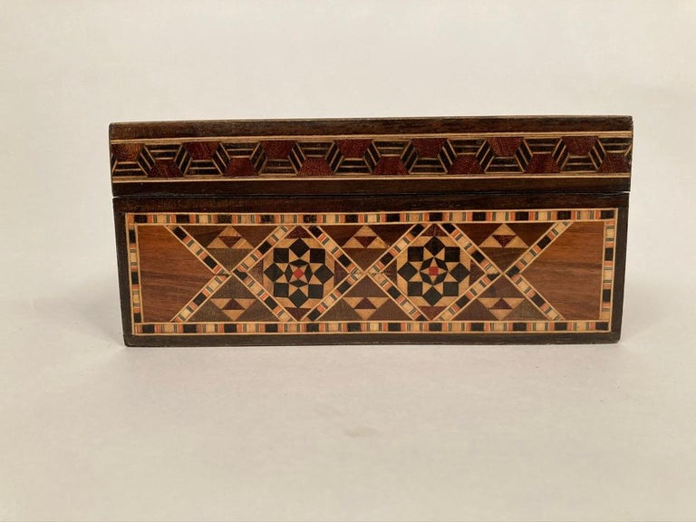 Anglo-Indian Mother of Pearl, Rosewood and Ebony Inlaid Box For Sale 11