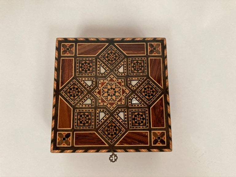 Inlay Anglo-Indian Mother of Pearl, Rosewood and Ebony Inlaid Box For Sale