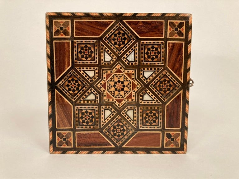 Anglo-Indian Mother of Pearl, Rosewood and Ebony Inlaid Box For Sale 4