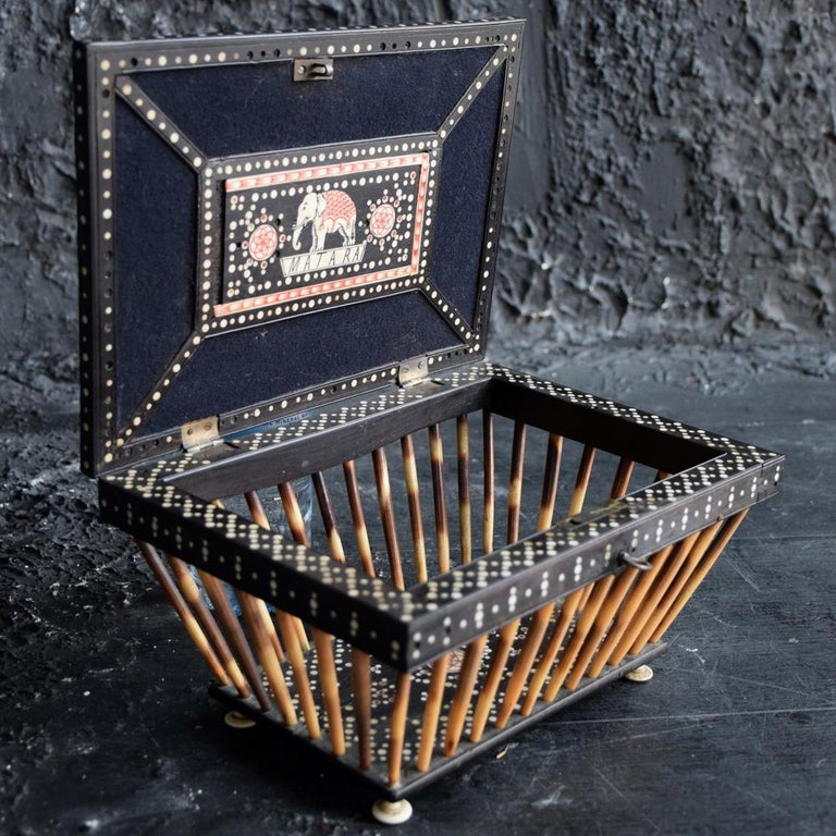 Natural Fiber Anglo Indian Quill/Porcupine Open Casket For Sale
