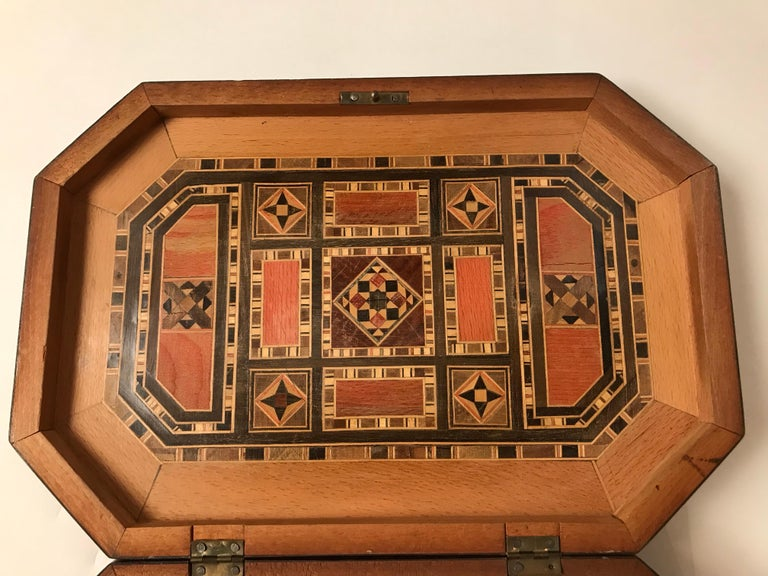 Moorish Moroccan Rosewood and Mother of Pearl Inlaid Box For Sale