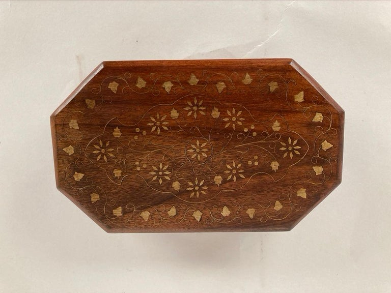 Anglo-Indian Rosewood Box with Brass Inlay For Sale 6