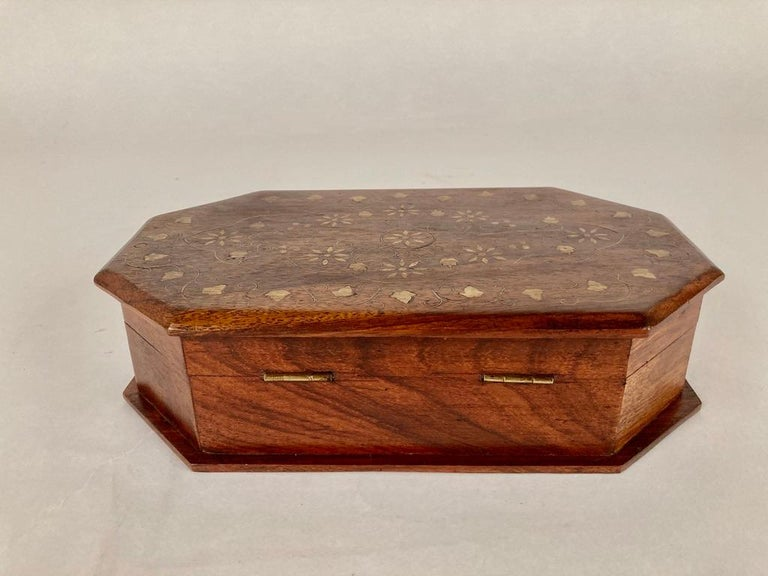 Anglo-Indian Rosewood Box with Brass Inlay For Sale 8