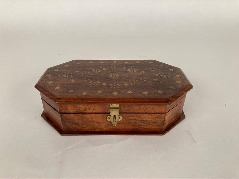 Anglo-Indian Rosewood Box with Brass Inlay For Sale 2