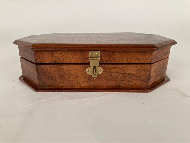 Anglo-Indian Rosewood Box with Brass Inlay For Sale 5