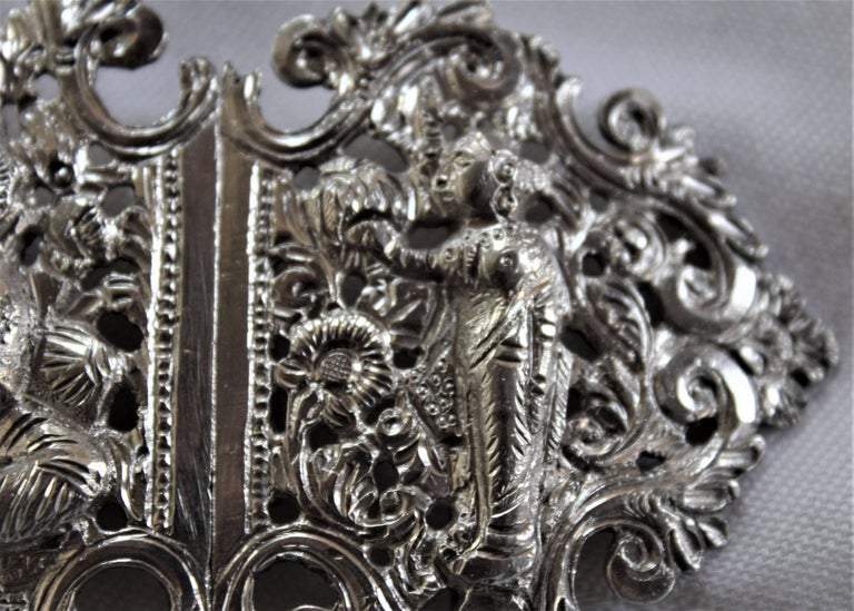 20th Century Anglo-Indian Silver Belt Buckle with Red and Black Belts For Sale