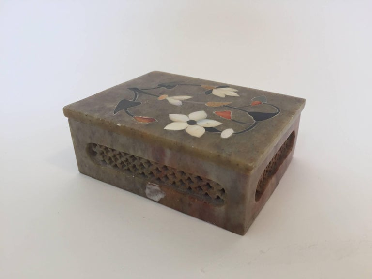 Anglo-Raj Marble Inlay Box Pietra Dura Censor For Sale 2