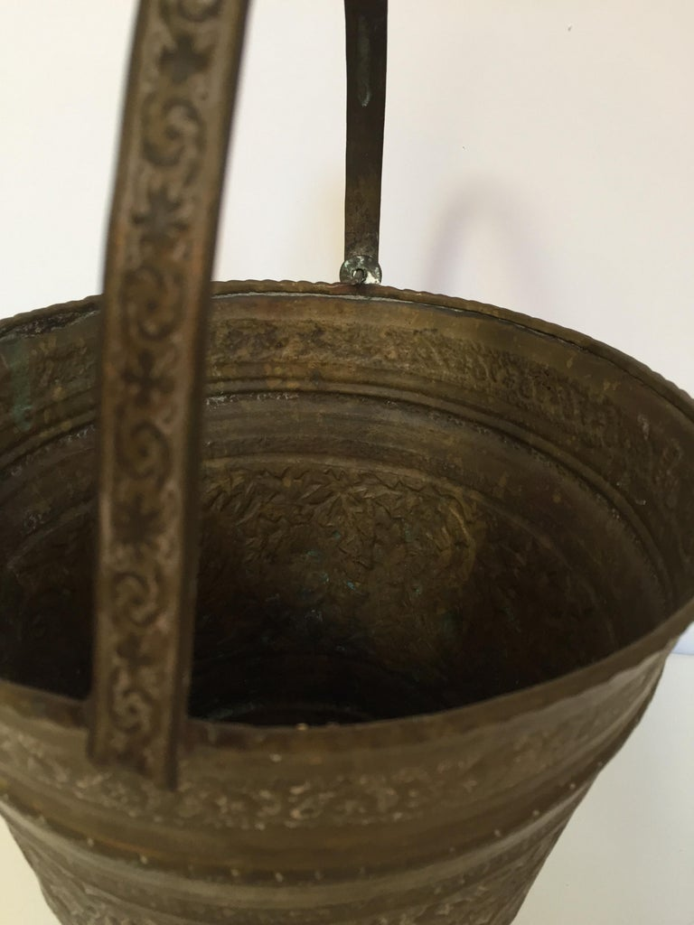 Anglo-Raj Mughal Bronzed Copper Vessel Bucket For Sale 3