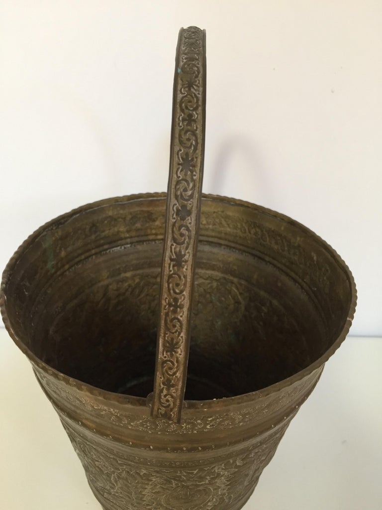 Anglo-Raj Mughal Bronzed Copper Vessel Bucket For Sale 7