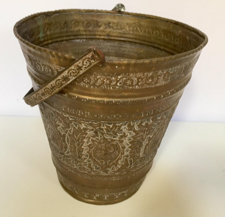 Indian Anglo-Raj Mughal Bronzed Copper Vessel Bucket For Sale