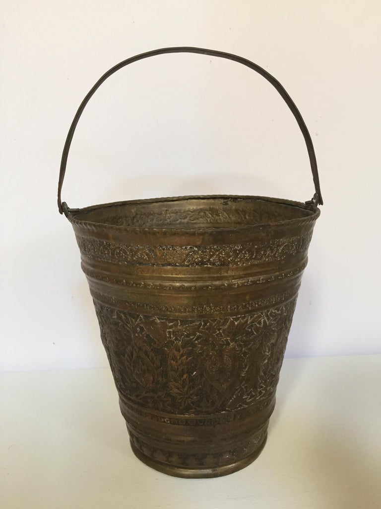 Hand-Crafted Anglo-Raj Mughal Bronzed Copper Vessel Bucket For Sale