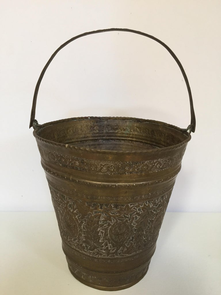 Anglo-Raj Mughal Bronzed Copper Vessel Bucket For Sale 1