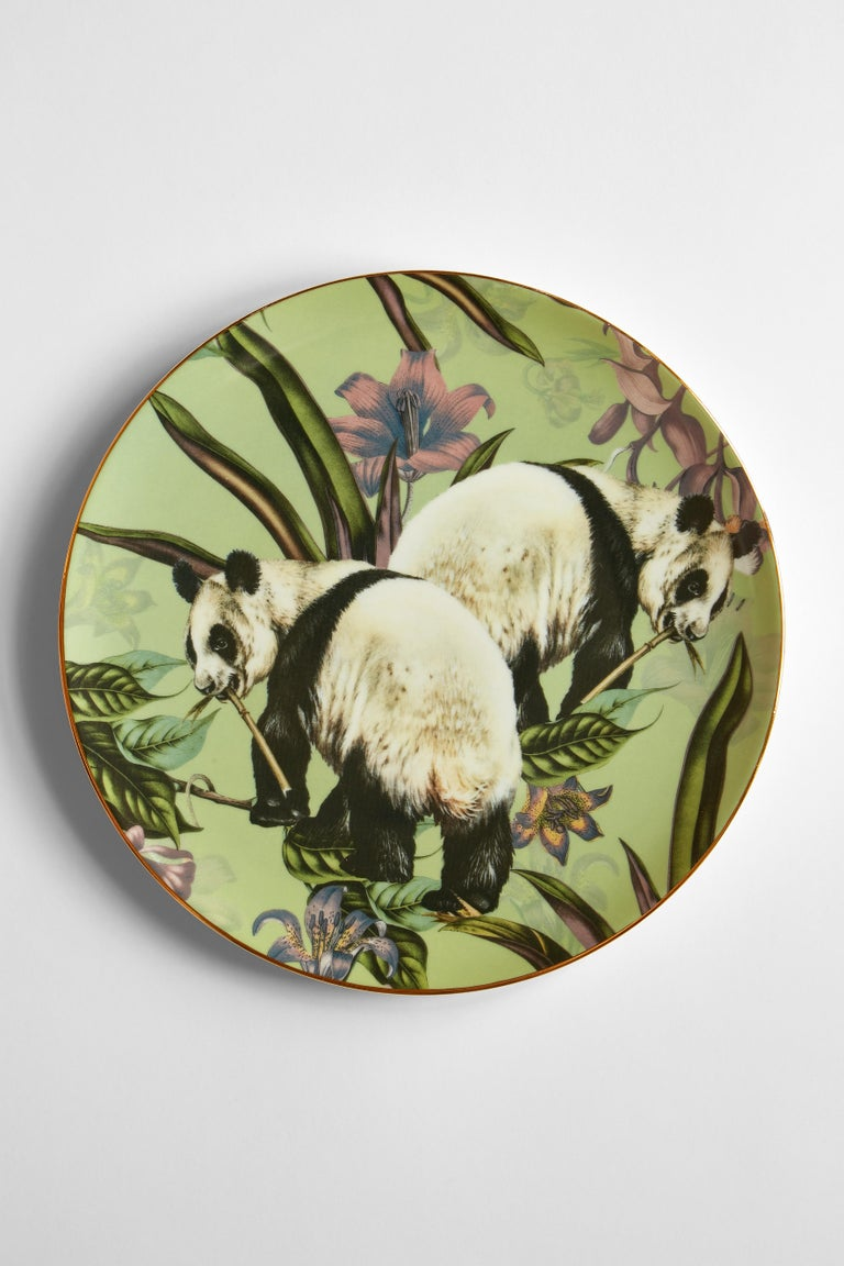 Animalia, Six Contemporary Porcelain Dinner Plates with Decorative Design In New Condition For Sale In Milan, IT