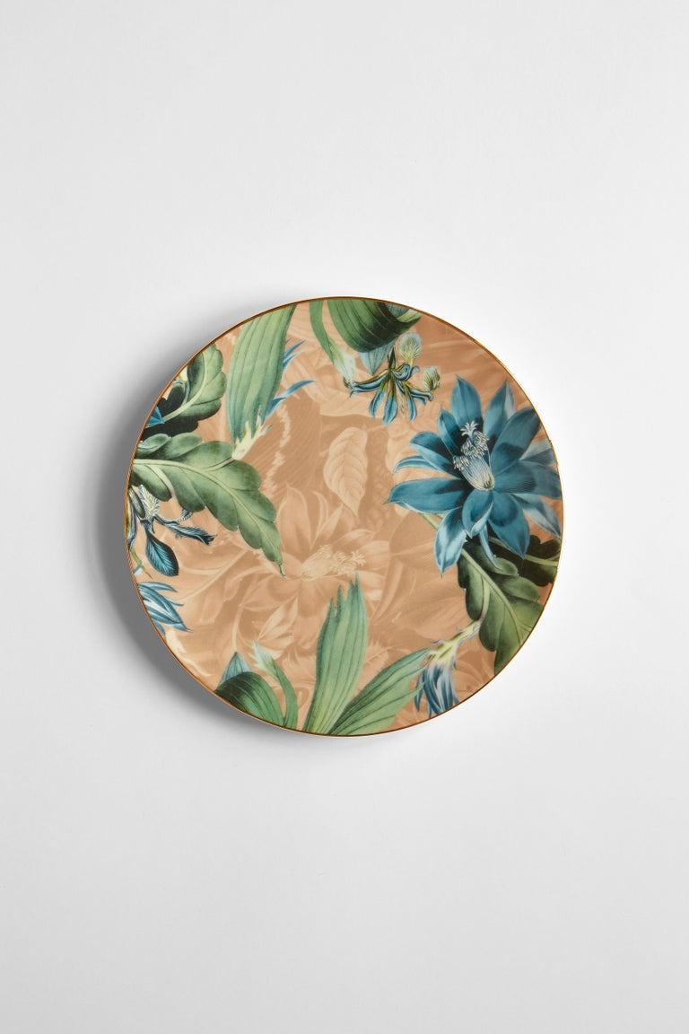 Animalia, Six Contemporary Porcelain Dinner Plates with Decorative Design For Sale 1