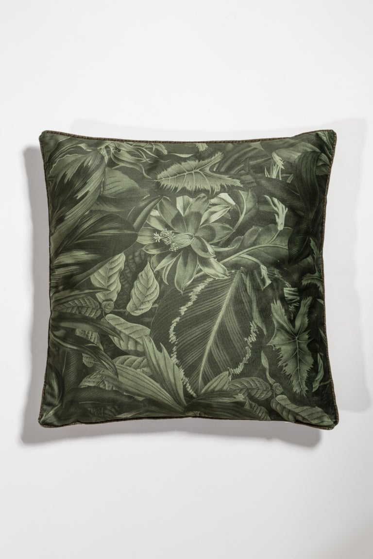Animalia pillows is a set of cushions that tells the story of wild animals looking for love in spring time. Each Pillow features two animals of the same species set in an explosion of flowers and vegetation. On the backside of the cushion there's a