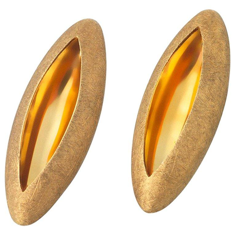 Anish Kapoor 18 Karat Yellow Gold Torpedo Earrings, Small, 2010 In New Condition For Sale In London, GB