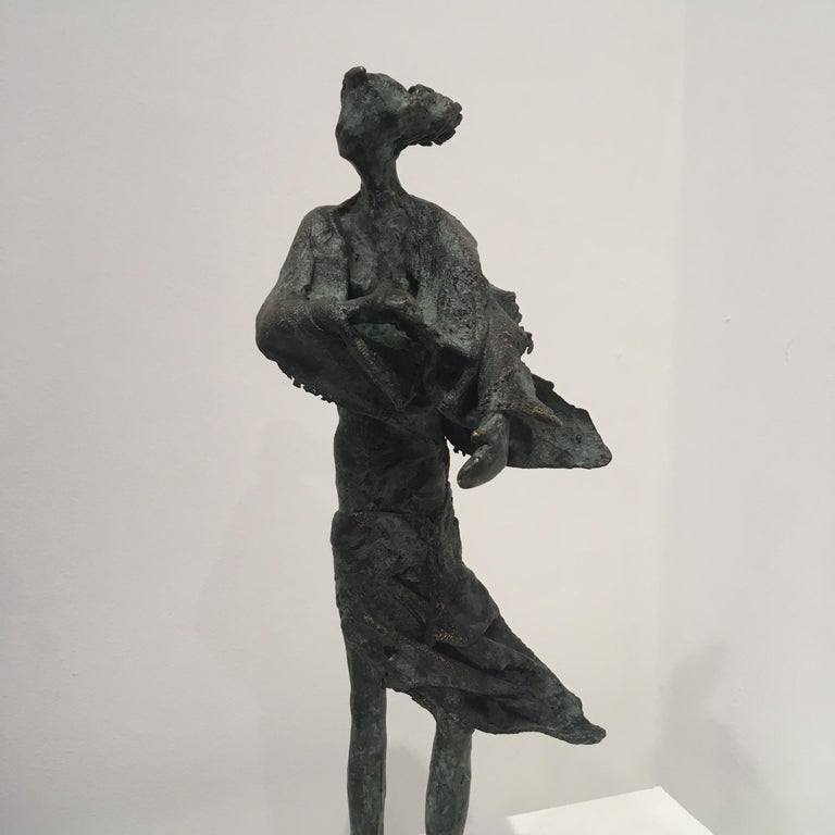 In de wind - contemporary standing female figure wind unique bronze sculpture  - Contemporary Sculpture by Anke Birnie