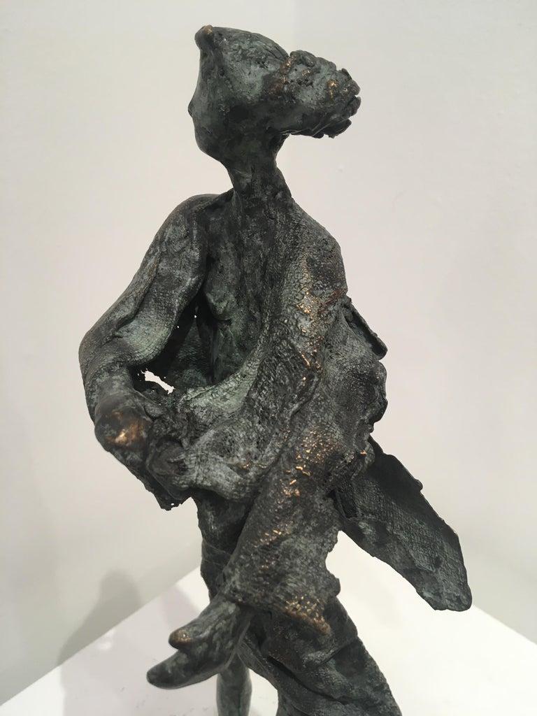 In de wind - contemporary standing female figure wind unique bronze sculpture  For Sale 1