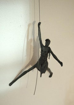 Naar Beneden n.4296 - hanging sculpture human in motion