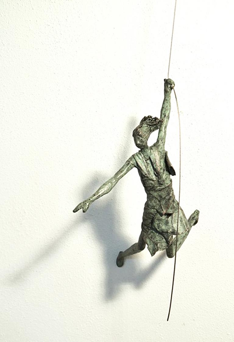 Anke Birnie Figurative Sculpture - The Other Way Round n.4307 - hanging sculpture human in motion