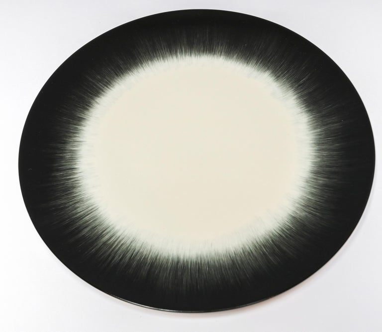 Ann Demeulemeester for Serax Dé Dinner Plate in Off White / Black In New Condition In Los Angeles, CA