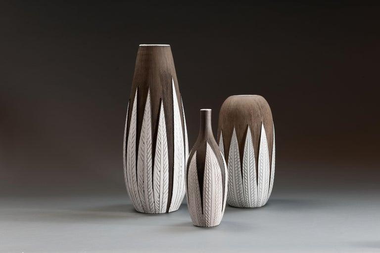 Scandinavian Modern Anna-Lisa Thomson Ceramic 'Paprika' Vases (3) by Upsala Ekeby For Sale
