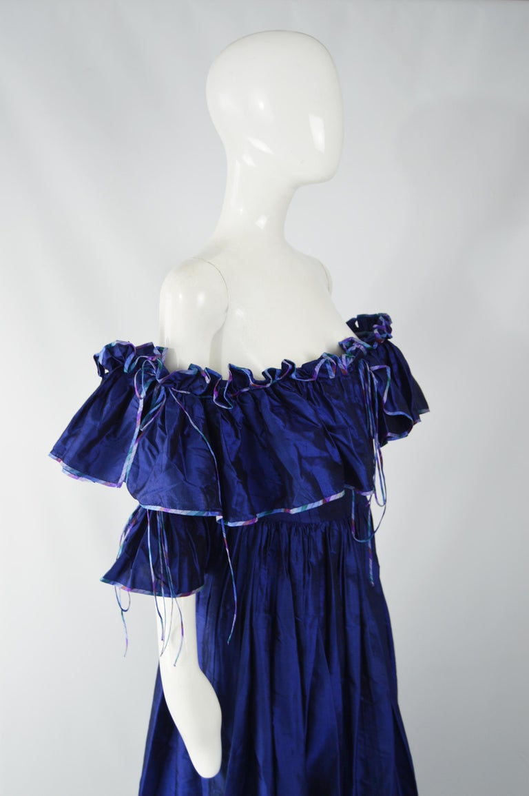 Annabelinda 1970s Silk Romantic Evening Dress In Good Condition For Sale In Doncaster, South Yorkshire