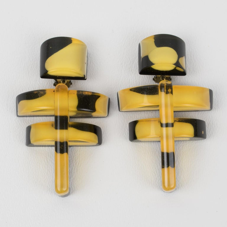 Modernist Anne and Frank Vigneri Black and Yellow Lucite Dangle Clip Earrings