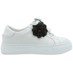 Anne Fontaine White Rosette-Accented Sneakers