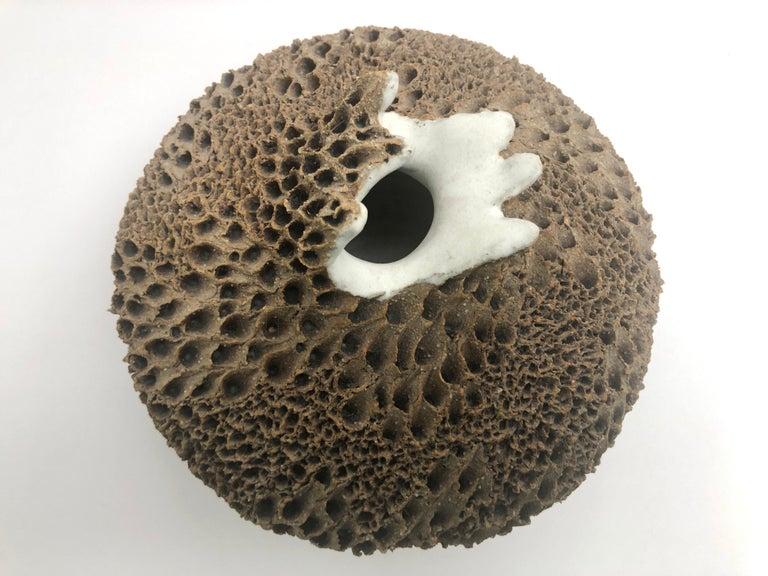 Anne Goldman Organic Sculpture Ceramic Vessel Vase In Good Condition For Sale In Miami, FL