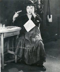 Picture of a set with Harry Langdon - 1930 circa