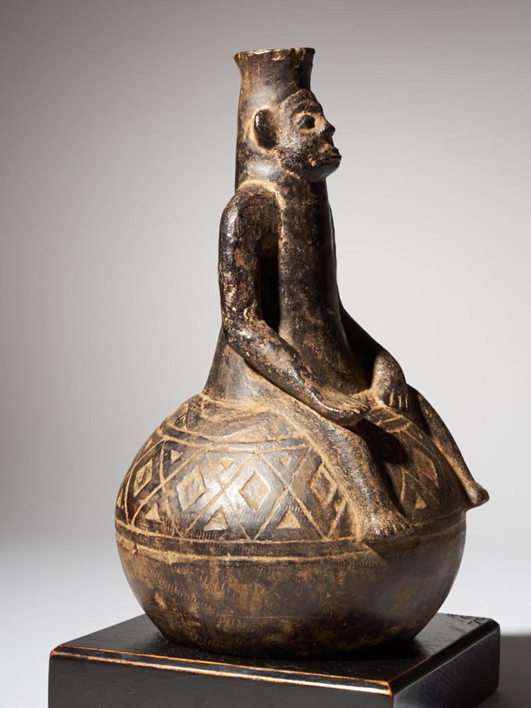 20th Century Anthromorphic Figural Vessel in Blackened Terracotta For Sale