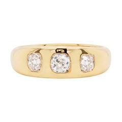 Antique 1.04 Carat Diamond 18 Carat Yellow Gold Gents Three-Stone Ring, 1919