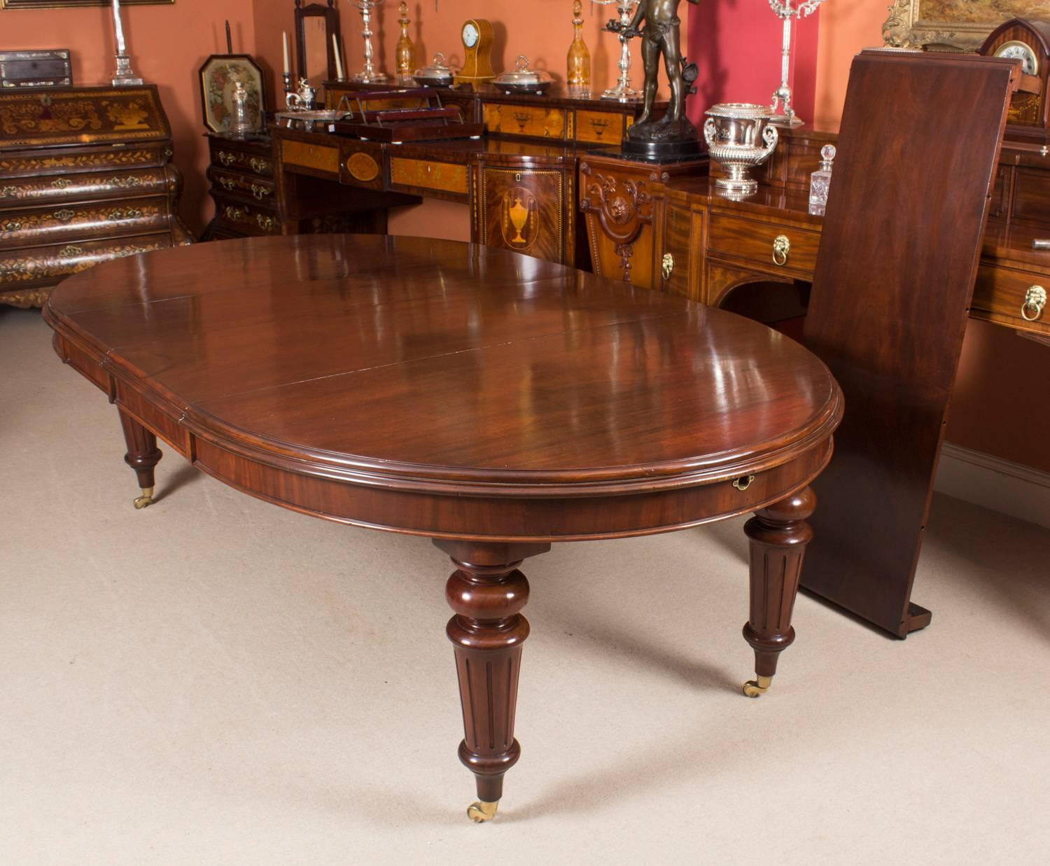 Antique Victorian Oval Flame Mahogany Extending Dining Table 19th Century At 1stdibs