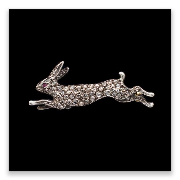 Antique 1.20 Carat Diamond Ruby Running Hare Brooch 18 Karat Gold, circa 1910 For Sale 4