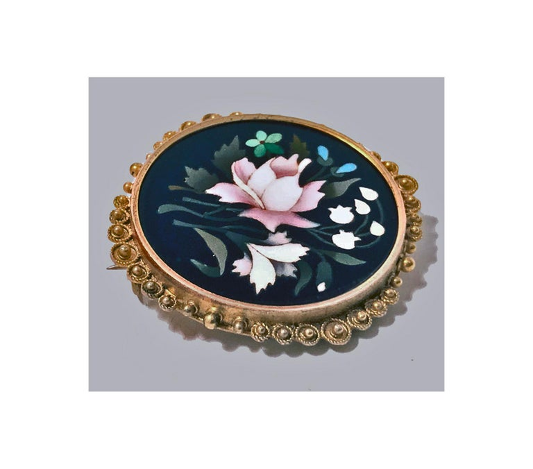 Antique 14 Karat Pietra Dura Brooch Pin, Italy, circa 1875 In Good Condition For Sale In Toronto, ON
